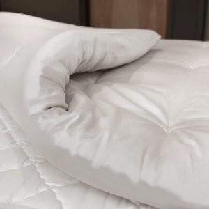 Organic latex and wool mattress topper