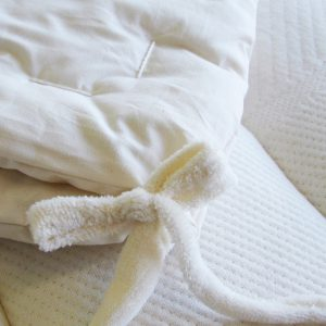 All-season comforter